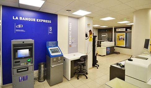 Espace automates en libre-service La Poste et La Banque Postale